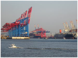 Hamburg Port - Gate to the world